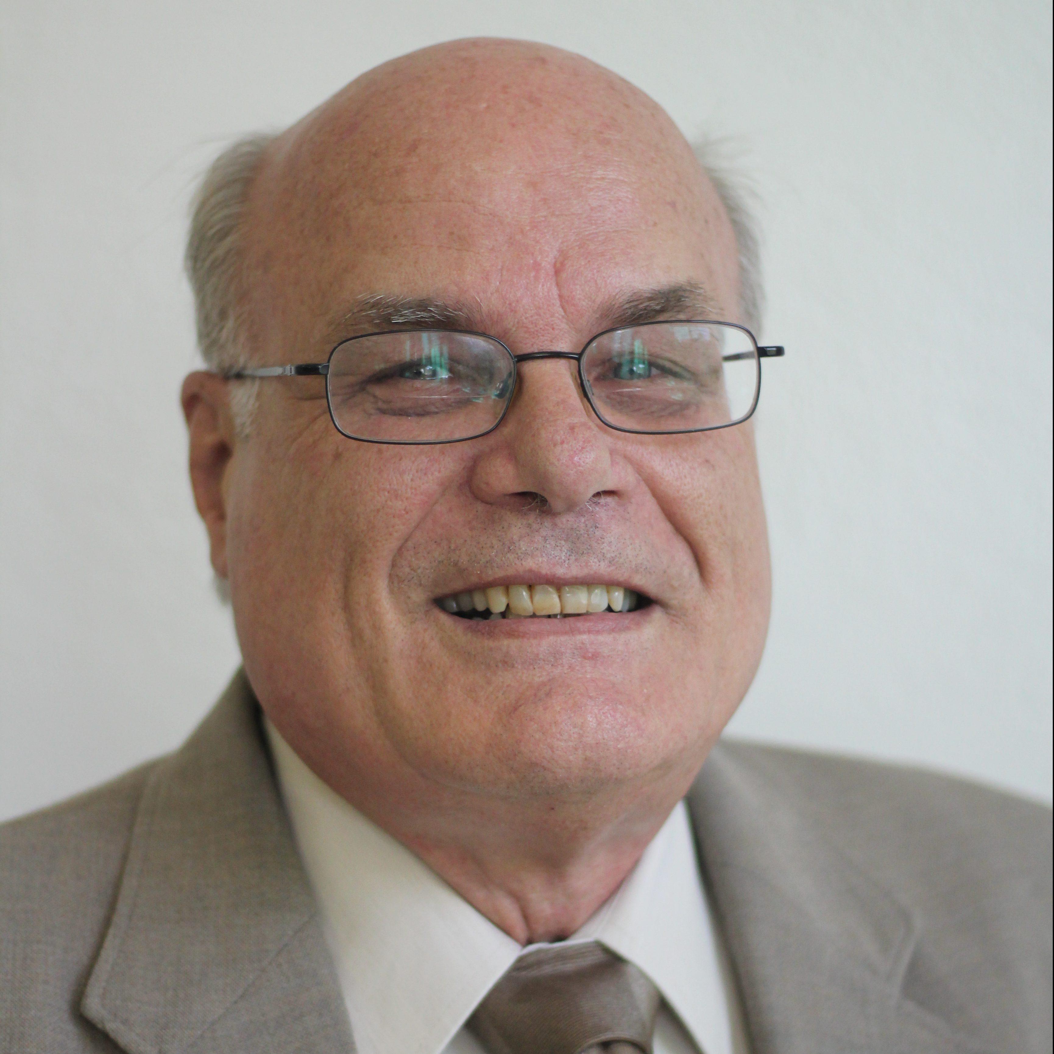 Dr. David Schmid